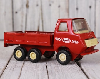 1970s metal toy truck, Truck toy, Vintage kids toy, Mechanical toy, Red truck, Vintage toy collector's, Soviet era truck toy, Old truck USSR
