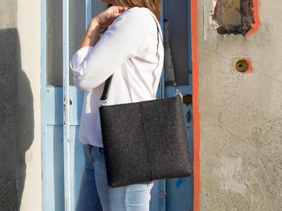 Felt SMALL CROSSBODY BAG with leather strap / crossbody purse / small shoulder bag w/ zipper / charcoal felt bag / wool felt / made in Italy