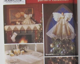 Mantel Scarf Christmas Stocking Angel Place Mat Tree Skirt Table Runner Tablecloth Holiday Crafts Sewing Pattern Simplicity 5890