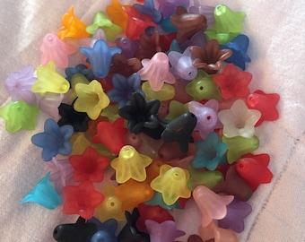100 Plastic Flower Beads