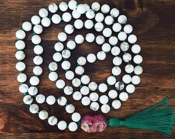 White Howlite & Emerald Mala