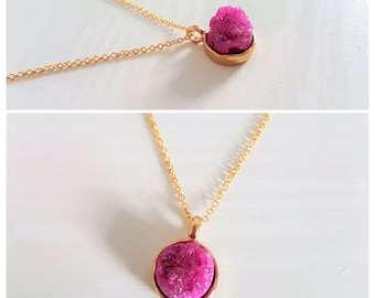 Druzy Pendant Necklace in 16k Gold/Fuschia