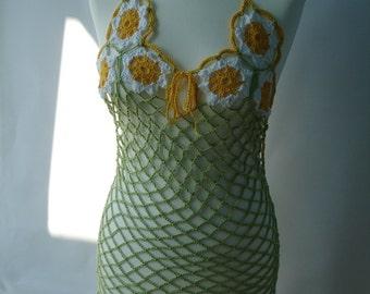 Benutzerdefinierte gehäkelten Neckholder Kleid mit Gänseblümchen und Durchbrochene Muster