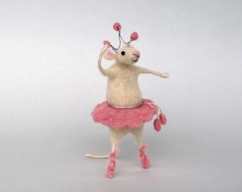 Felted mouse ballerina Miniature animal Needle felt mice Whimsical gift  Dollhouse mini Woolen Waldorf doll Cute gift Ballet dancer figurine