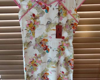 Vintage white cheongsam qipao floral watercolour pattern pink piping cap sleeves knee-length size S 4 US 8 Aus/UK NWT