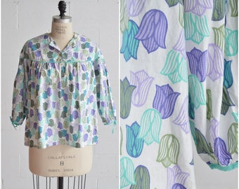 1970s bell flower peasant blouse · blue purple green floral top · oversized long sleeve top · bohemian hippie pastel floral shirt · x large