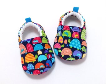 Turtle Baby Shoes, Soft Sole Baby Shoes, Baby Booties, Toddler slippers, Turtles, Blue baby shoes