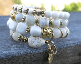 White and gold Dreams Memory Wire Bracelet - made with Gemstones and Gold Plated beads, spacers and charms