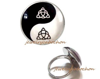 Ring triquetra yin yang celtic black and white pattern silver color