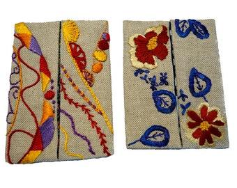 Série de deux étuis à mouchoirs broderie main (15-16)
