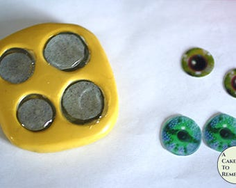 Edible eyes isomalt and silicone mold set to make eyes for cake decorating. 3D eyes for animal cakes or cake pops, enough for 15 sets.