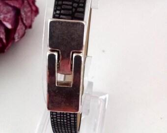 Mens leather shaped black and grey bracelet