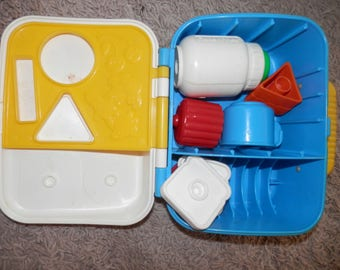 fisher price shape sorter lunch pail with extras 1992   7  total pieces