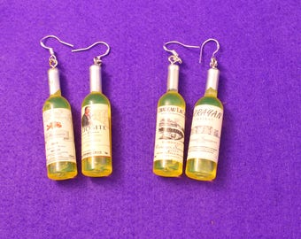 Wine bottle earrings - realistic miniature wine bottle earrings