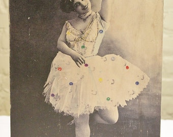 """Wood """"Joy is not in Things"""" Sign - Retro Shabby Chic Dancer"""