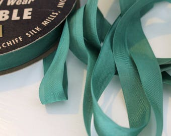 Vintage Hug Snug Seam Binding Ribbon MOSS GREEN - 5 Yards