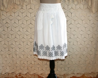 White Cotton Skirt Women Embroidered Peasant Skirt Hippie Boho Medium Large Hippie Clothes Boho Clothing Casual Skirts Womens Clothing