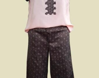 Culottes,  capri pants jacquard in brown-gold  UK 16