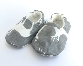 Grey and White Wildlife Baby Booties, Baby Shoes, Baby Slippers, Baby Booties, Baby Moccs, Soft Sole, Baby Gift, Baby Booty