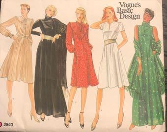 UNCUT, Vintage, VOGUE Sewing Pattern 2843, FF, Size 6-8