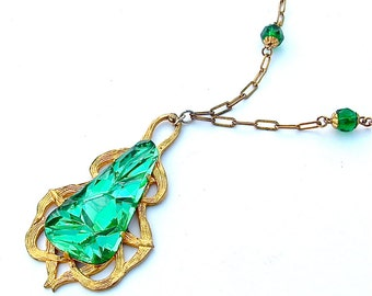 Vintage Geometric Molded Glass Meteor Planetary Green Long Pendant Necklace with Emerald Faceted Beads Gold Chain