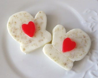 Winter Mittens Soap Gift Set - Red Heart - Almond Scent - Goat Milk Soap - Christmas gift - Shaped Soap - gift for her - winter - teen