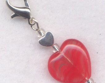 Razzle Dazzle Red Heart Stitch Marker Clip Stripey Heart Single /SM216K