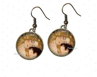The child Gustav Klimt mother earrings