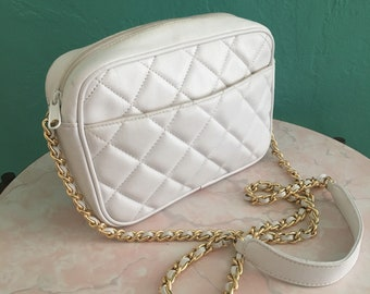 vintage 80's white leather quilted handbag // cross body handbag