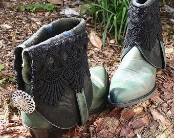 Green and Black Lace Short Boots Size 7.5