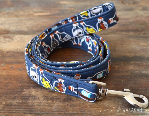 Leash for dog model Bottle of Rum. Handmade with 100% cotton fabric and webbing. Two width available. Wakakan