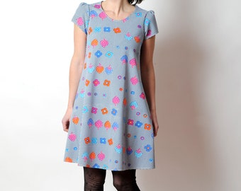 Colorful floral tunic, Short-sleeved A-line dress, vintage jersey with dots and fruits, Blue, red, pink, white, MALAM