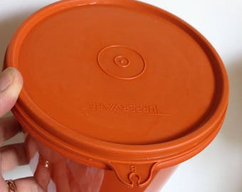 Decent size vintage retro orange Tupperware cannister storage container 1970s excellent condition