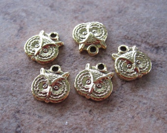 5 Stampt Antiqued Gold (plated) Tiny Owl Face Charm - 7x8mm - JD172
