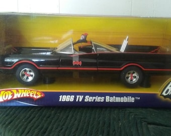 1966 TV Series Batmobile 1:18  Scale by Hot Wheels  2007