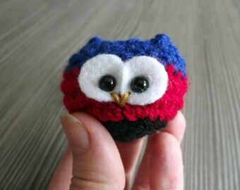 Poly-owl - tiny crochet owl in polyamorous colours