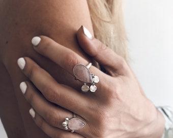 rose quartz ring,boho ring,pink quartz ring,pink crystal ring,silver 925,coin ring,rose quartz silver ring,teardrop ring,teardrop quartz