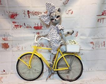 Gretchen the Gray Cat Custom BJD Hujoo Freyr 23cm Doll by Sassy Grace
