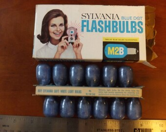 Sylvania M2B Blue Dot Flash Bulbs, Vintage - 12 unused in original box