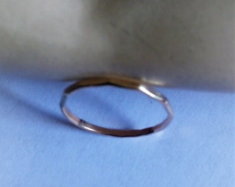14 ct gold fill ring facetted to catch the light   sizes available  Q....8       M.....6 1/4      L......5 3/4