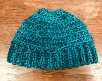 Ponytail beanie / Crochet hat / Cold weather
