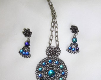 Necklace 1960s rhinestones with Earrings