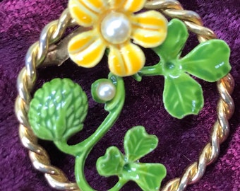Vintage Round Brooch Pin with Yellow Enamel Flower with Pearl and Green Leaves