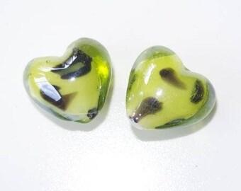 Glas Bead Form Herz (grün/schwarz)