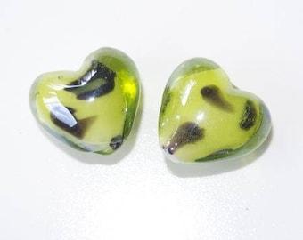 Glass bead heart (Green/Black)