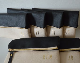 Set of 6 Personalized Foldover Clutches in Black and Cream / Bridesmaids Gift / Monogrammed Bridal Clutch Purses