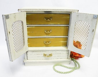 Ivory White and Gold Painted Jewelry Box - Jewelry Chest, Shabby Chic, Cottage, Beach Coastal or Farmhouse Home Decor -Vintage Upcycled