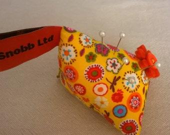 S - 486 Yellow pin cushion