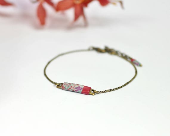 Small flower, chain bracelet in brass, Japanese, red bracelet, 'Madder' patterns