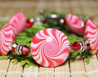 Candy Cane Swirl... Handmade Jewelry Bracelet Beaded Christmas Holiday Peppermint Red White Polymer Clay Beads Swirl Spiral Crystal